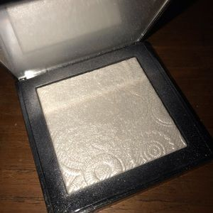 Burberry Makeup - Burberry fresh glow highlighter in No.01 white